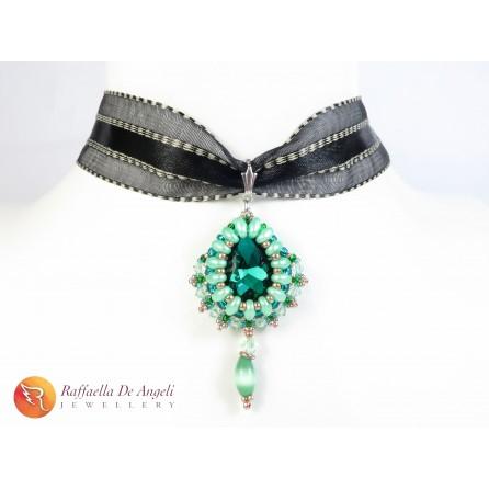 Necklace pendant crystal green Carolina 02