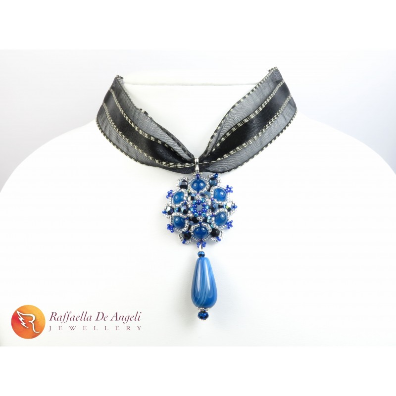 Ciondolo perline blu Agata