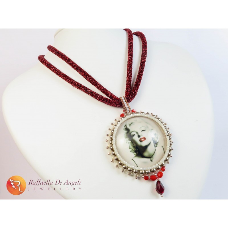 Collana ciondolo embroidery Marylin